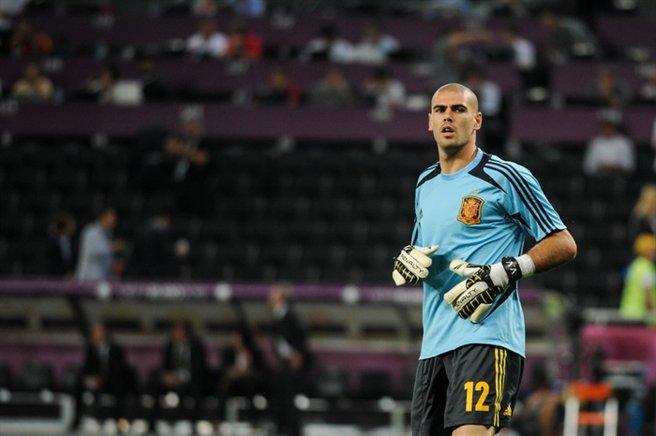 Víctor_Valdés_before_Euro_2012_vs_France