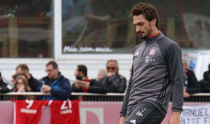 Bayern Munich encourage Chelsea to bid (quickly) for Hummels
