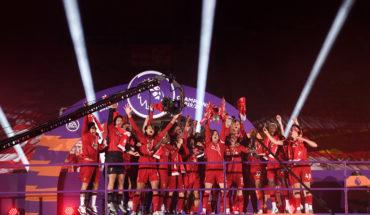 liverpool celebrate their premier league title