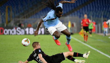 jordan lukaku leeds united transfer news